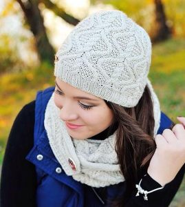 Chain hat and scarf set